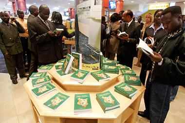 0118-Kenya-Nairobi-bookstore-full_full_380