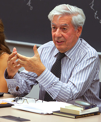 Llosa_teaching_photo